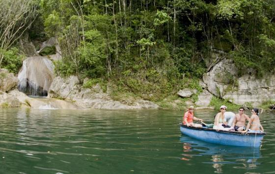 Hanabanilla - Boat
