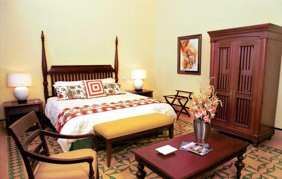 Saratoga - Room