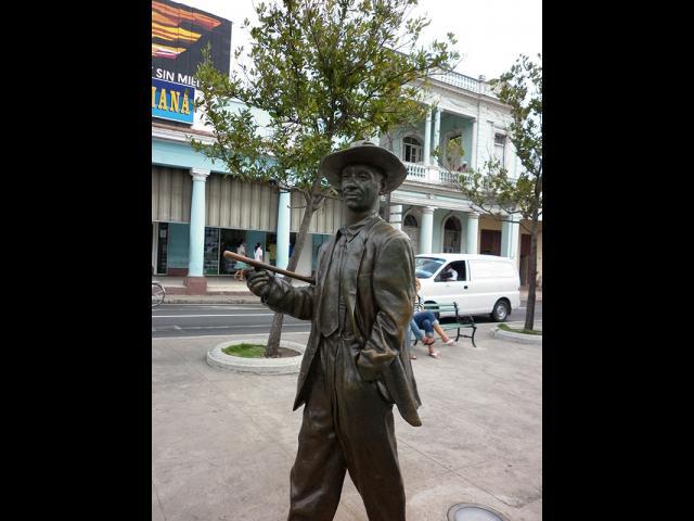 Cienfuegos - Benny Moré  en Paseo del Prado