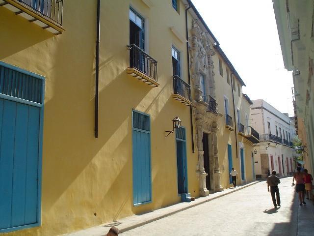 Havana City - Calle Obrapia