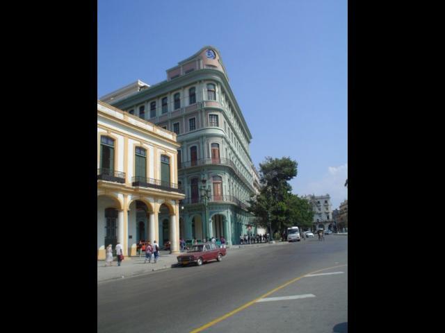 Havana City - Hotel Saratoga
