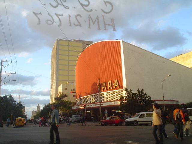 Havana City - Cine Yara